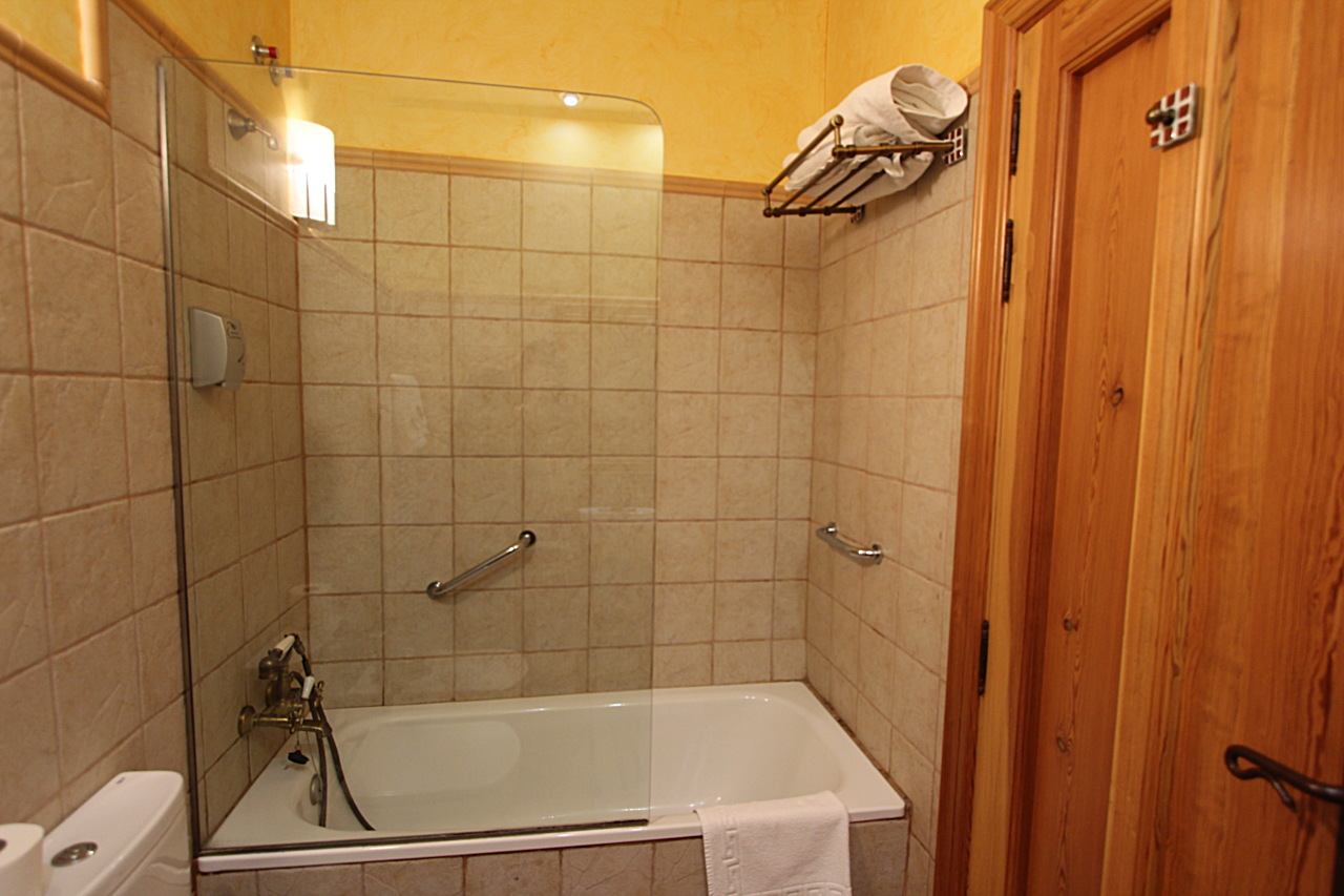 accomodations with bathroom and breakfast in Palencia